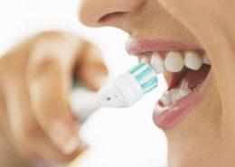 بهداشت دهان [object object] مراقبت های پس از درمان ریشه brushing teeth 300 260x185  مطالب دندانپزشکی brushing teeth 300 260x185