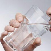 تاثیر نوشیدن در بوی بد دهان نوشیدن، بوی بد دهان را از بین میبرد. نوشیدن، بوی بد دهان را از بین میبرد. noshedan 180x180