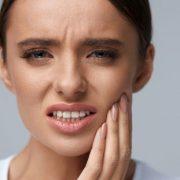 حساسیت دندان چه چیز سبب بروز حساسیت دندان میشود؟ چه چیز سبب بروز حساسیت دندان میشود؟ tooth pain 180x180